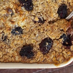 Vegan Baked Oatmeal with Fruit and Nuts