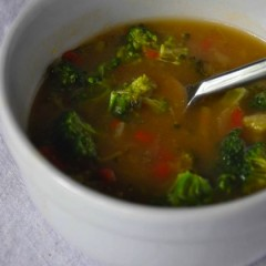 Broccoli and Red Bell Pepper Soup