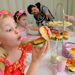 Helping Vegan Children Enjoy Non-Vegan Parties